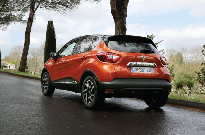 renault captur dci 90 dynamique first drive renault captur forums. Black Bedroom Furniture Sets. Home Design Ideas